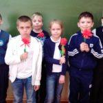 Обучающиеся Центра сделали цветы для ветеранов